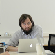 Андрей Лошак
