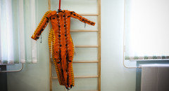 Часто к костюмам и скафандрам не прилагается специалиста, который понимал бы, зачем скафандры нужны.