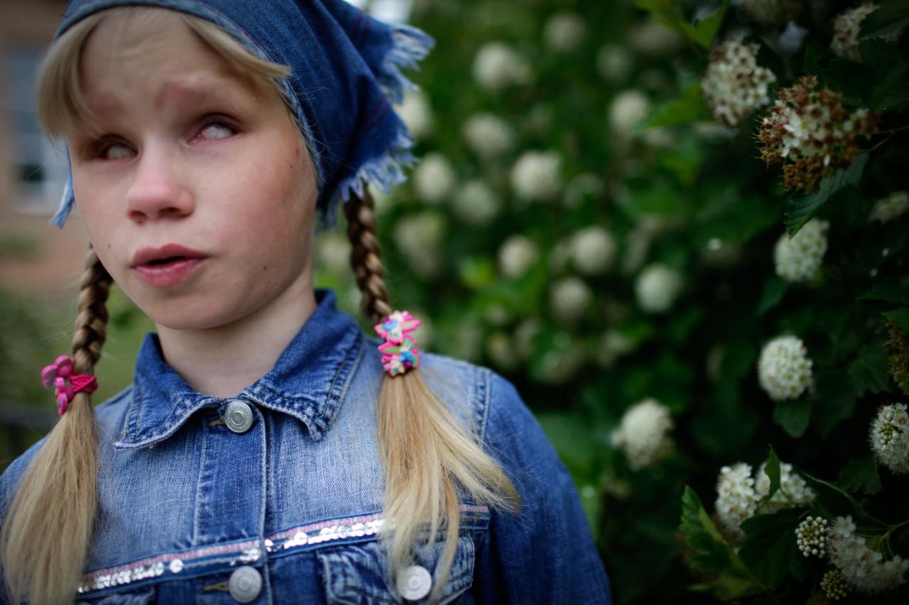 Совсем маленькая девочка голая 23 фотография