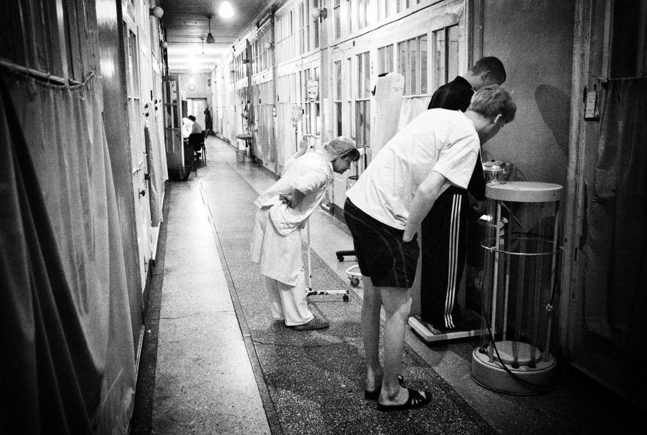 Секс медсестра ходит домой к больному 3 фотография