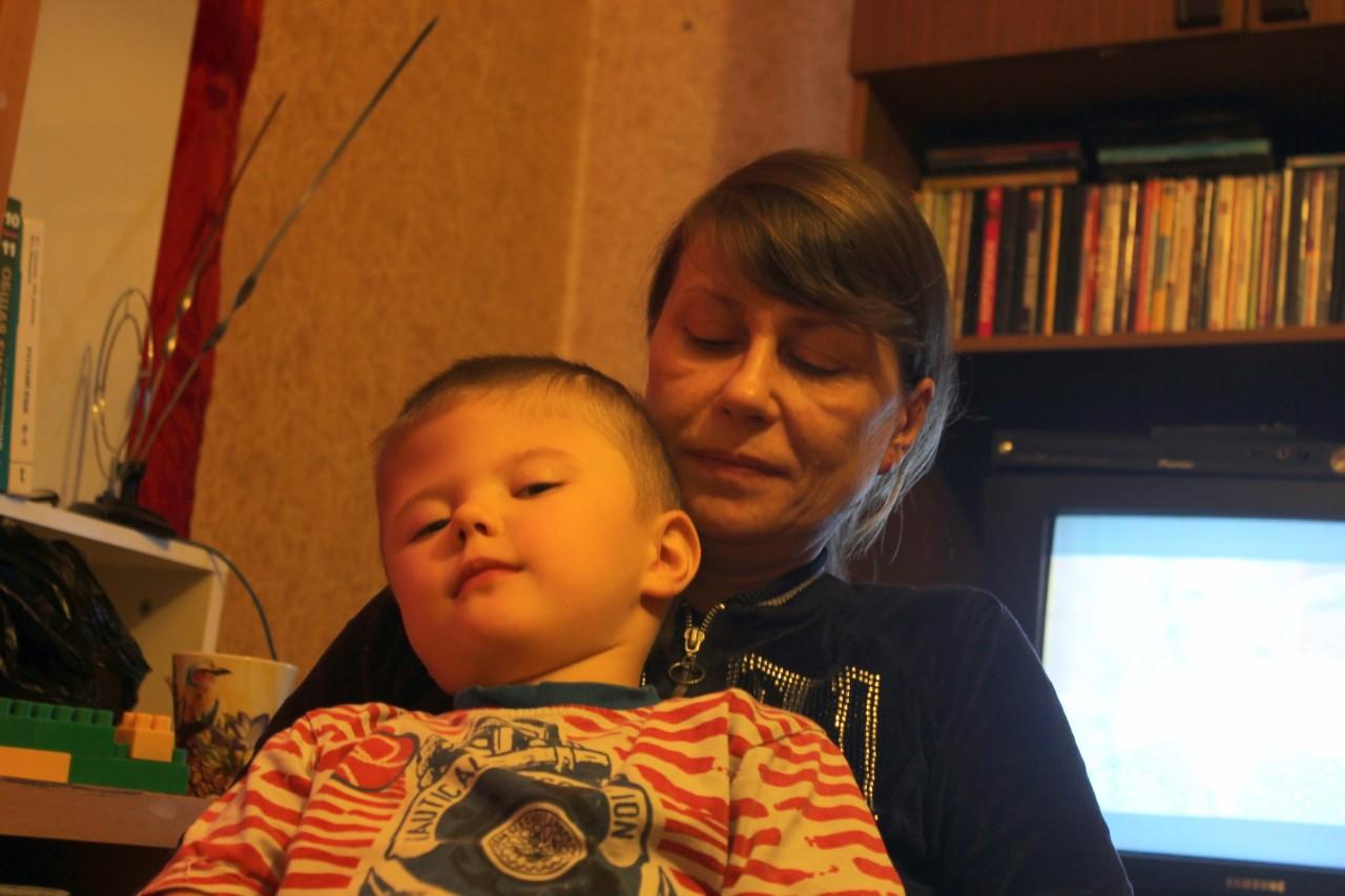 Сексуальная мама не удержалась увидев сына 13 фотография