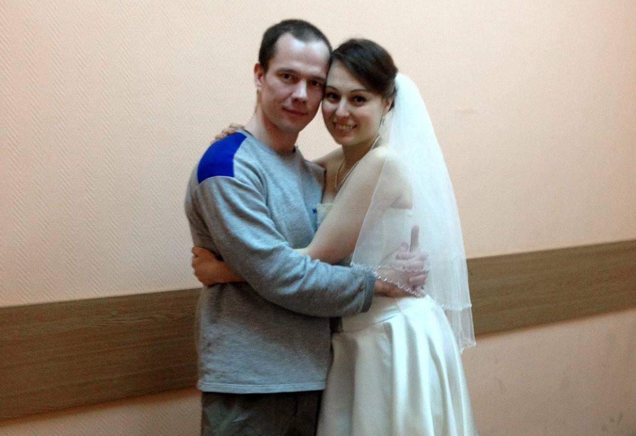 Муж направляет член друга в жену фото 725-400