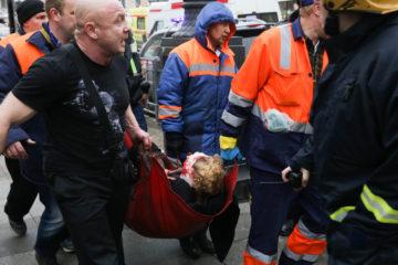 ¬ метро —анкт-ѕетербурга произошел взрыв