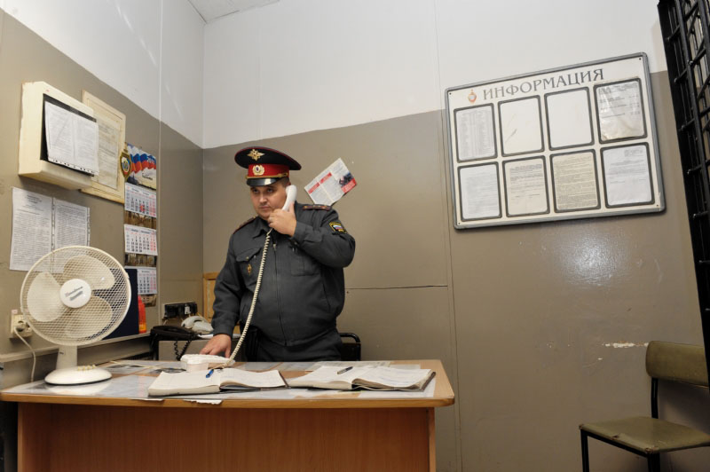 Полиция тонет в бумагах Такие Дела Полицию постоянно проверяют нужно чтобы все книги и журналы были в образцовом порядкеФото Павел Долганов trend media photoxpress