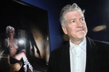 """ITAR-TASS 103: MOSCOW, RUSSIA. APRIL 8. US film director David Lynch at an exhibition of his photographs at Garage Contemporary Arts Centre. (Photo ITAR-TASS / Alexei Filippov)  103. Ðîññèÿ. Ìîñêâà. 8 àïðåëÿ. Àìåðèêàíñêèé ðåæèññåð Äýâèä Ëèí÷ íà îòêðûòèè âûñòàâêè Fetish â ÖÑÈ """"Ãàðàæ"""". Ôîòî ÈÒÀÐ-ÒÀÑÑ/ Àëåêñåé Ôèëèïïîâ"""