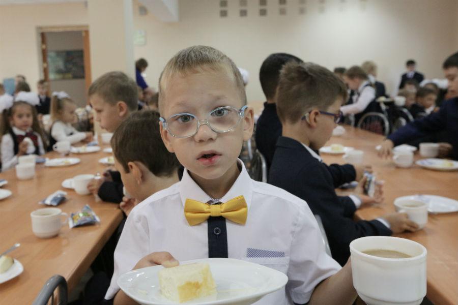 Ваша система питания в школе предложения чтоб готовили повара