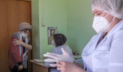 Привиться изаболеть: почему вакцинированные заражаются коронавирусом